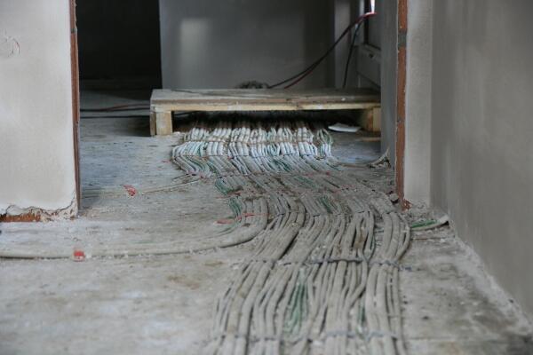 so viele Kabel